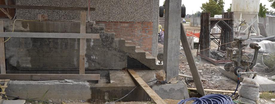 Balliu tagli taglio cemento armato for Scala in cemento armato a vista